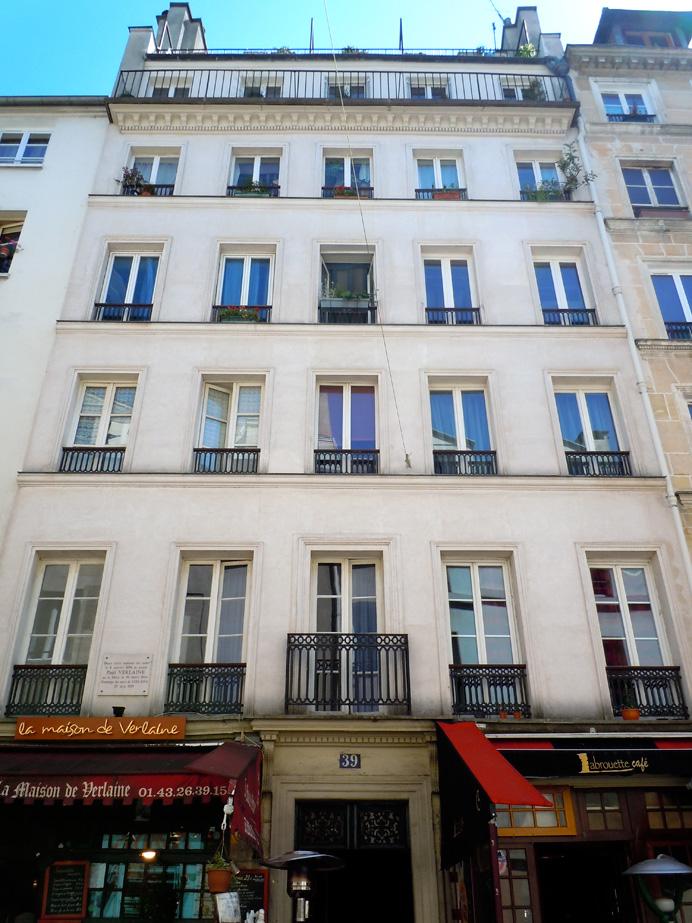 Hemingway\'s first writing studio, 39 rue Descartes