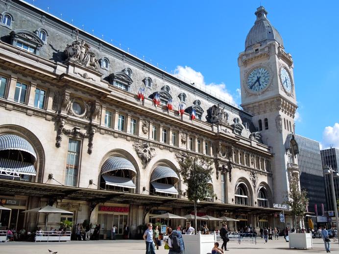 The Gare de Lyon, where Hadley loses Ernest\'s manuscripts on the train to Lausanne