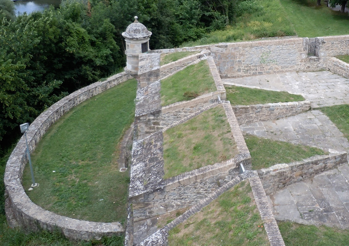 Outer fortress walls, Pamplona