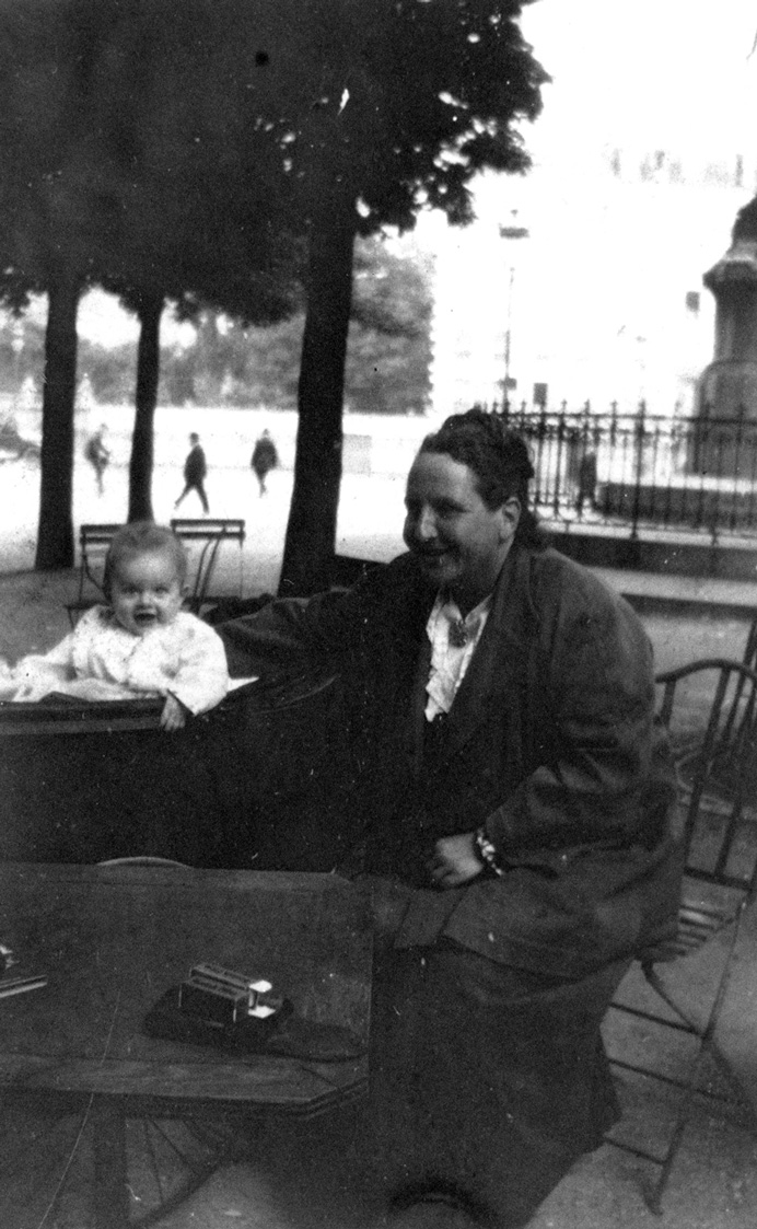 "John ""Bumby"" Hemingway and Gertrude Stein in Paris, 1924"
